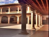 Claustro renacentista del palacio de D. Antonio Mendoza